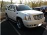 Beyaz Cadillac Escalade Sol Ön Görünüm